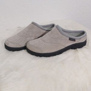 COLUMBIA Gray suede slip on Johnnie Low Back shoe